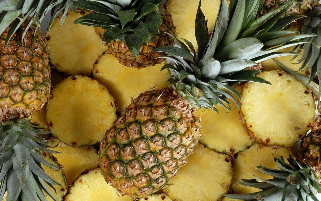 Everything-You-need-to-know-about-pineapple-by-green-blender.jpg